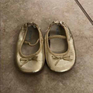 NEW gold Robeez baby shoes